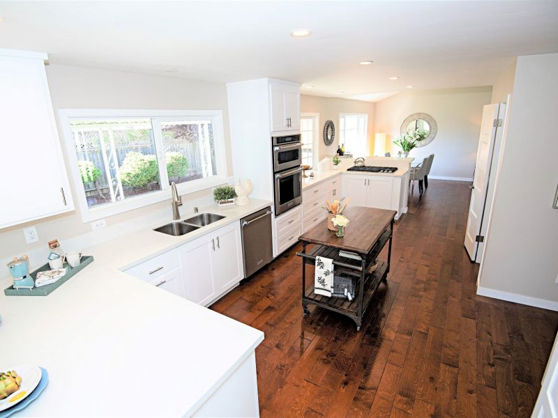Fully remodeled gourmet kitchen