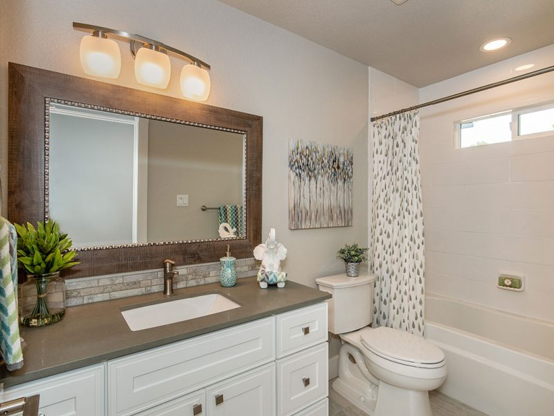 2232-hillside-drive-bathroom