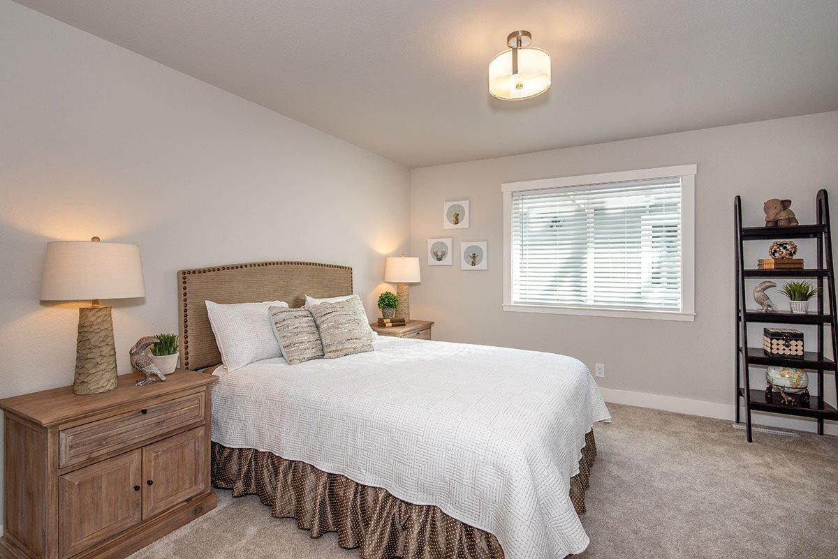 2232-hillside-drive-bedroom2