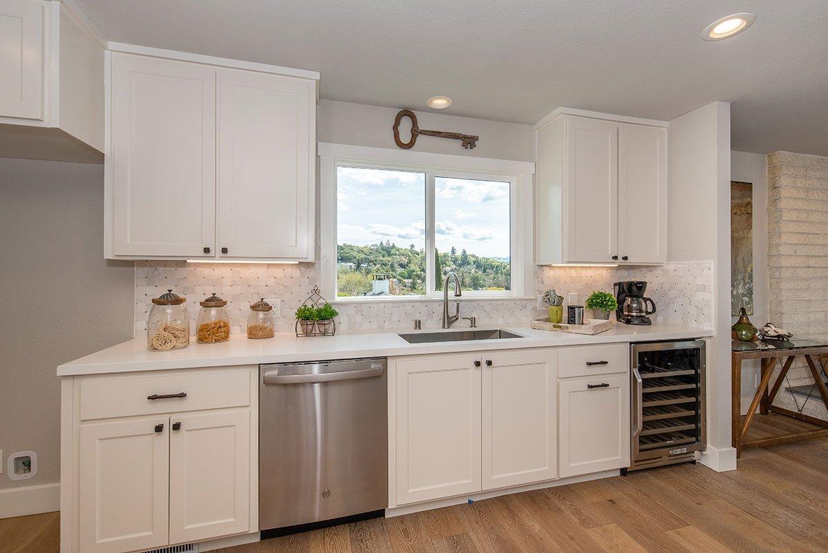 2232-hillside-drive-kitchen-2