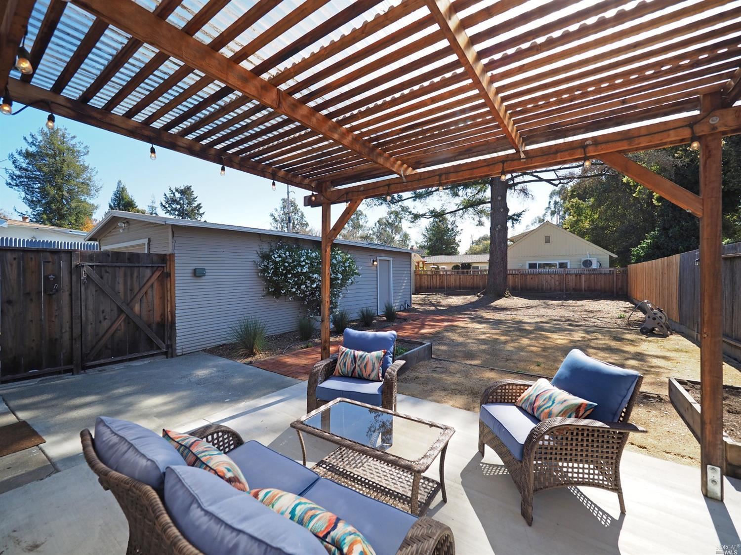 876 Sonoma Ave Back Patio Yard View
