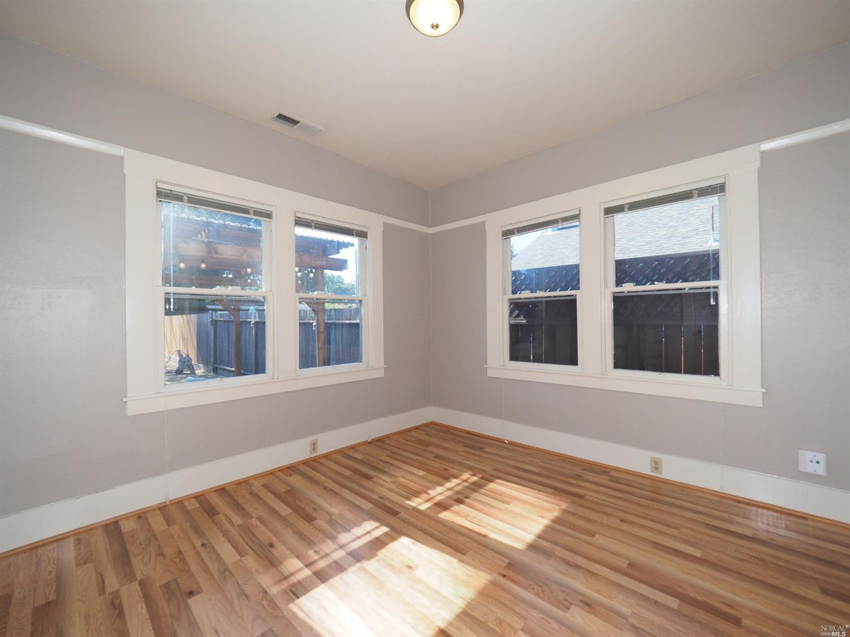 876 Sonoma Ave Bedroom