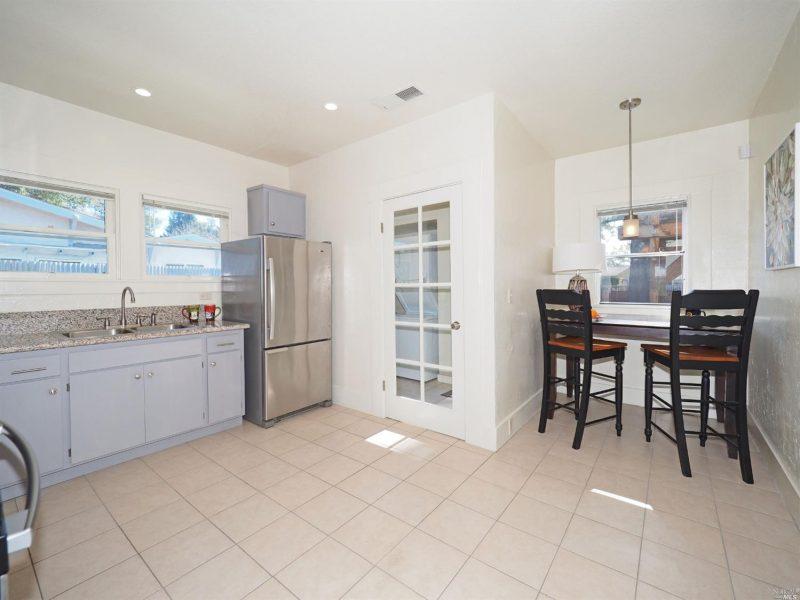 876 Sonoma Ave Kitchen