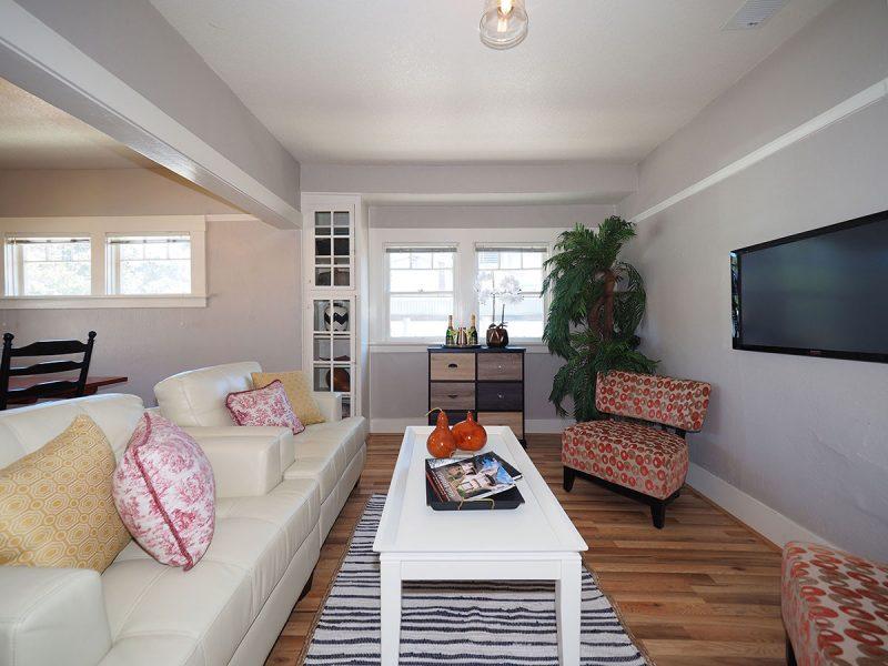 876 Sonoma Avenue Living 3